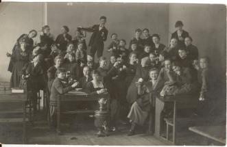 PMF3586_5 Paide Tütarlaste Gümnaasiumi õpilased 1919.a
