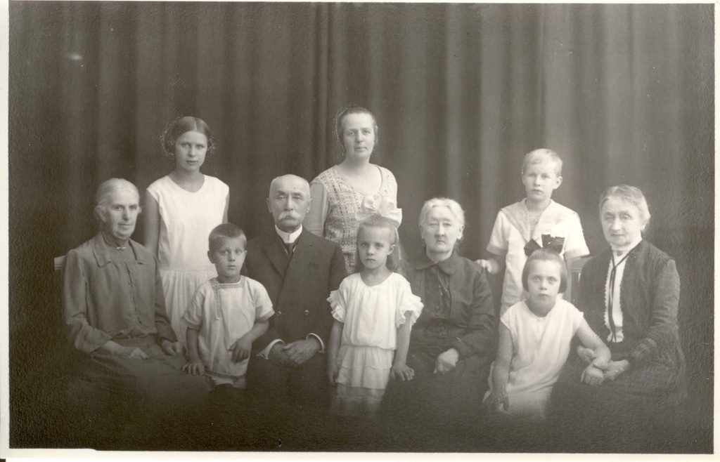 3. Õllevabrikant August Stammi perekond 1928. a.